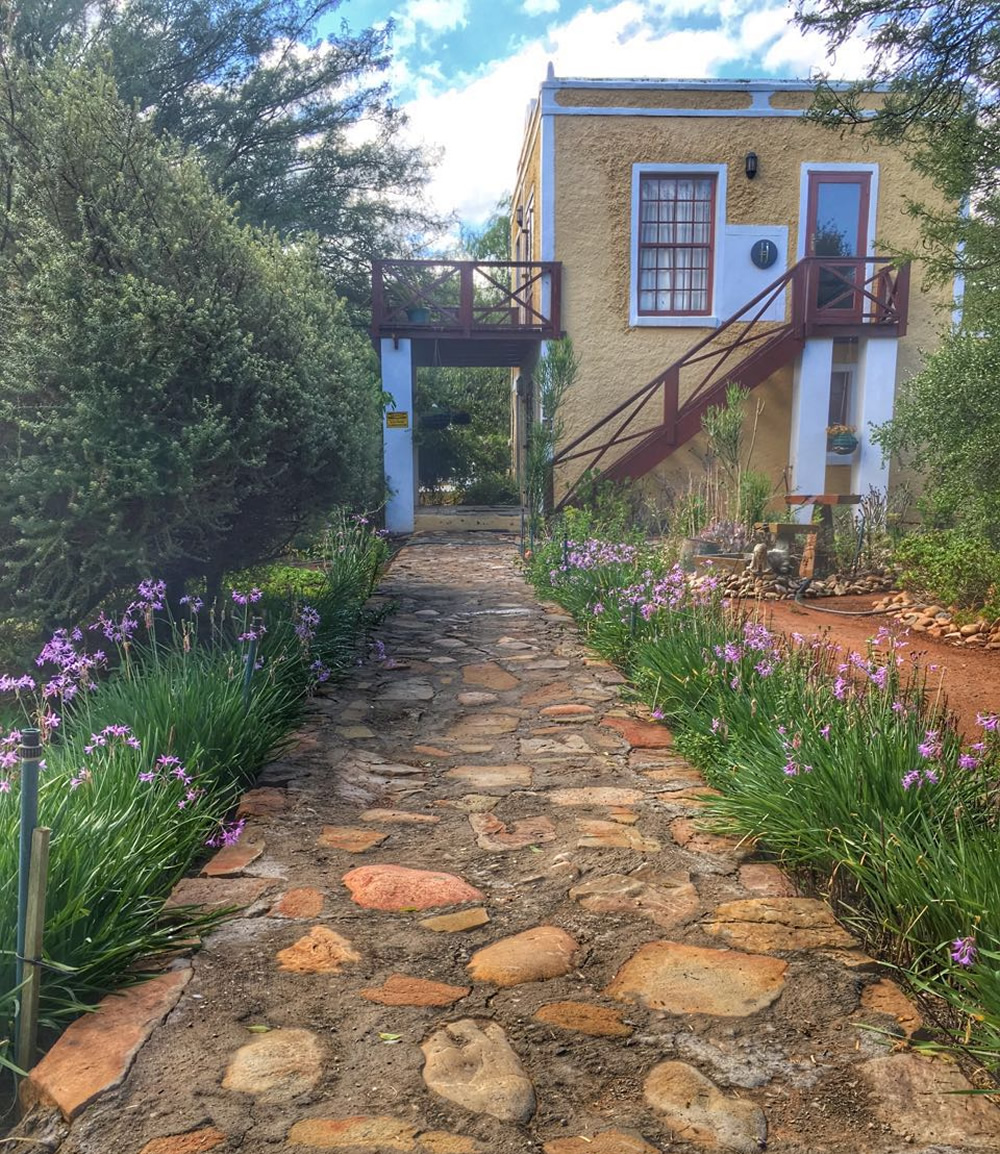 Villa accommodation at Steytlerville Guest House