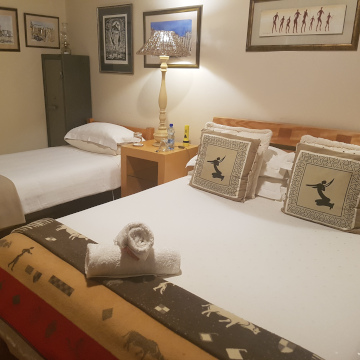 Steytlerville Guest House and accommodation Khoisan Suite